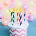 cumpleanos-cajitas-de-cupcakes-con-velas-347-1