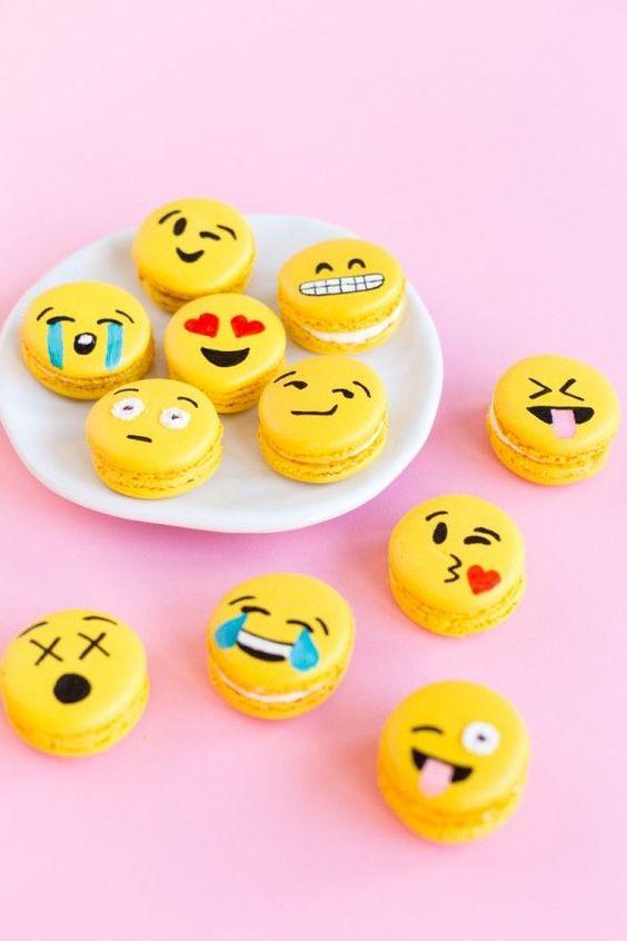 macaroons emoji