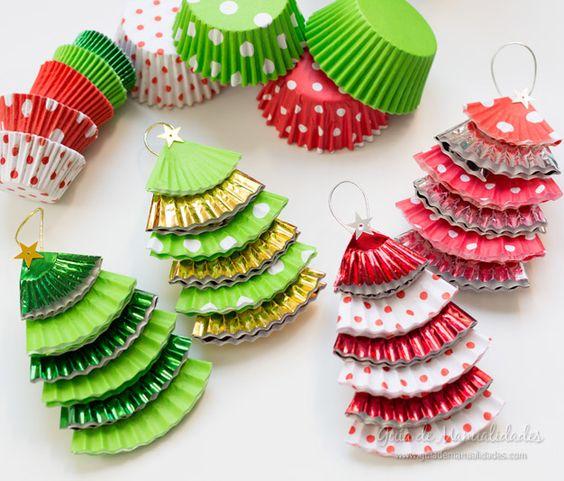 figuras navideñas con moldes de cupcakes