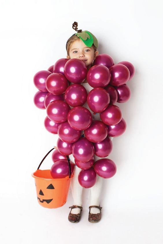 disfraces con globos uvas