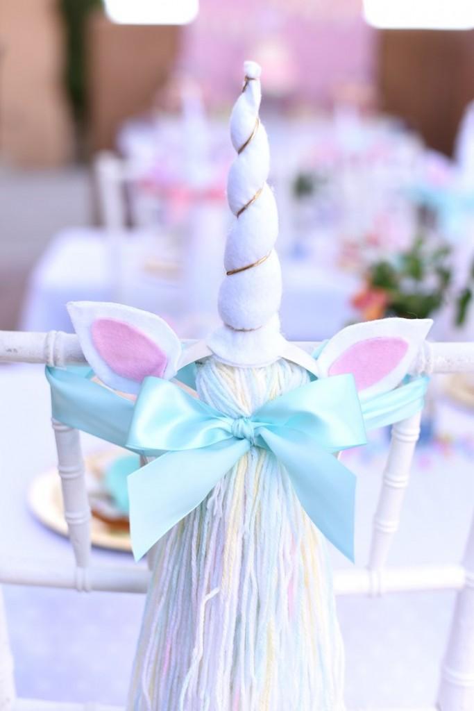 fiesta de unicornio silla decorada