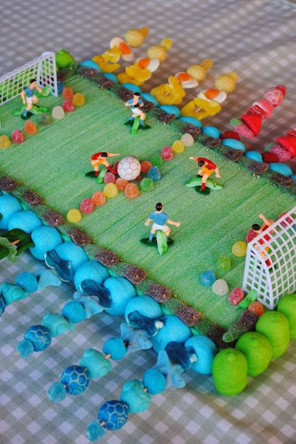 tarat de futbol con golosinas